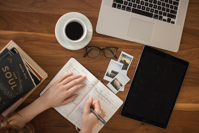7 Tips Ampuh Agar Tetap Produktif Menulis